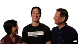 台美公民协会全美主席林君威与父母