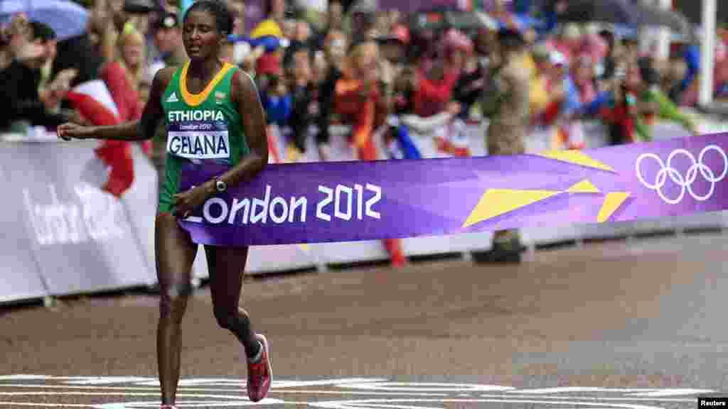 Erba Tiki Gelana agée de 28 ans est une athlète éthiopienne, spécialiste des courses de fond, elle a gagné une médialle d'or pour l'Ethiopie en 2012 à l'ondres.