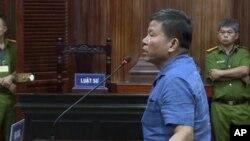 Ông Châu Văn Khảm tại tòa hôm 11/11/2019. (Nhan Huu Sang/VNA via AP)