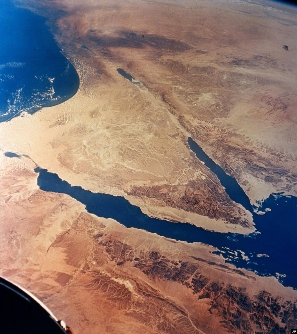 Sinai Gunmen Kill Three Egyptian Policemen, Post Video of ...