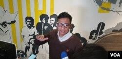 Direktur Eksekutif Amnesty International Indonesia, Usman Hamid. (FOto: VOA/Sasmito) (Foto: VOA/Sasmito)