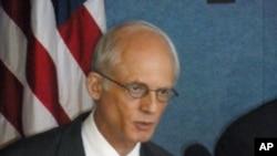 美国董事和校友理事会政策主任波利亚科夫
