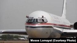 L'avion du président soudanais Omar al Bashir à l'aéroport de Juba, le 12 avril 2013.