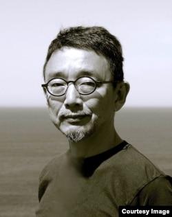 京都藝術大學藝術研究院教授小崎哲哉(照片提供: 小崎哲哉 )