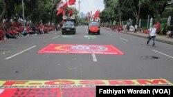 Unjuk rasa buruh pada peringatan Hari Buruh Internasional 1 Mei di Jakarta, Indonesia.