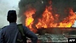Екстремісти підпалили ще більше автоцистерн НАТО в Пакистані