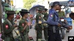 Menurut Matthew Smith dari Human Rights Watch, ada ratusan orang dipenjara di berbagai tempat tahanan di negara bagian Rakhine (foto: dok).