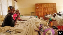 Des patientes admises à l'hôpital Panzi du Dr Denis Mukwege, près de Bukavu, RDC, le 11 juin 2005.