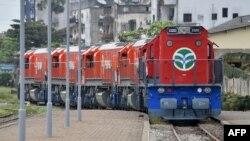 Une nouvelle locomotive de Sitarail lors de la cérémonie entre Ouagadougou et Abidjan, le 9 septembre 2015.