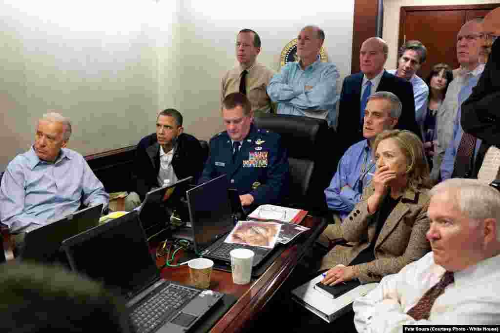 Le président et son équipe dirige la mission qui tuera Oussama Ben Laden, le 1er mai 2011 à la Maison-Blanche. (Official White House Photo by Pete Souza)