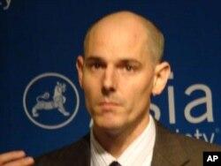 人權觀察組織衛生與人權部門主任約瑟夫艾門