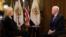 El vicepresidente de EE.UU. Mike Pence habla sobre políticas de la administración Trump con la colaboradora de la VOA,Greta Van Susteren.