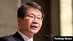 류길재 한국 통일부 장관이 19일 열린 국방포럼에서 강연하고 있다.
