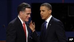 Republikanski predsednički kandidat Mit Romni i predsednik Barak Obama posle prve debate u Denveru 3. oktobra 2012.