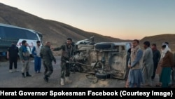 افغانستان کې هر کال په لویو لارو په ترافیکي پیښو کې په سلګونو کسانو ته مرګ ژوبله رسیږي.