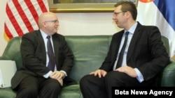 Prvi potpredsednik Vlade Srbije i ministar odbrane Aleksandar Vučić i zamenik pomoćnika državnog sekretara SAD Filip Riker.