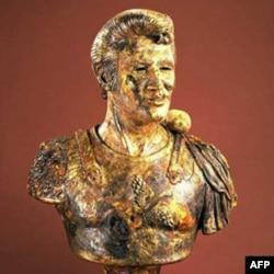 罗伯特•阿尼森创作的形同凯撒大帝的猫王金色陶瓷半身像