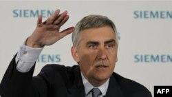 Исполнительный директор концерна Siemens Петер Лешер
