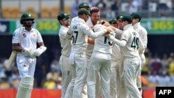 پاکستان ٹیم کے ابتدائی چار بلے باز 78 رنزکے مجموعی اسکور پر پویلین لوٹ گئے۔
