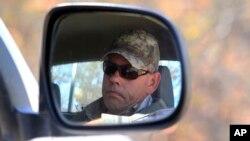 Le chasseur Theodore Bronkhorst arrive au tribunal pour un procès à Hwange, à l'ouest d'Harare, au Zimbabwe, le 5 août 2015. (AP)
