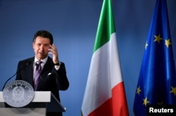talian Prime Minister Giuseppe Conte holds a news conference at the European Union leaders summit in Brussels, Oct. 18, 2018.