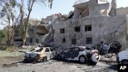 از سه خودرو، یک خودرو موفق به حضور در مرکز شهر و انفجار خود شد.