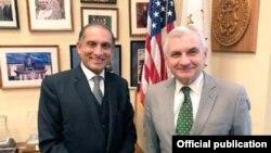 پاکستانی سفیر اعزاز چودھری کی امریکی سینیٹر ریڈ سے ملاقات