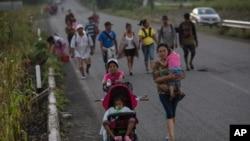 2018年10月25日中美洲移民大军前往墨西哥的皮吉加潘