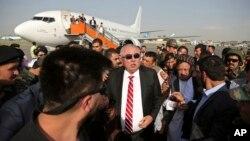 Abdulrashid Do'stum Turkiyadan Afg'onistonga qaytgan kuni, Kobul aeroporti, 22-iyul, 2018-yil