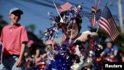 Salah satu acara parade hari kemerdekaan AS di kota Barnstable, Massachusetts, Senin, 4 Juli 2016.