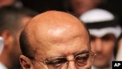 Yemeni Foreign Minister Abu Bakr al-Qirbi (file photo).
