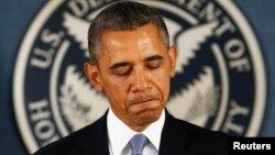 Popularitas Presiden AS Barack Obama merosot ke tingkat terendah, menurut jajak pendapat terbaru (foto: dok).