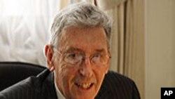 데이비드 하웰 영국 외무차관
