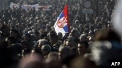 Protestë kundër qeverisë në Serbi