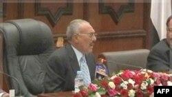 Tổng thống Yemen Ali Abdullah Saleh cam kết với chuyện chuyển giao quyền bính ôn hòa qua các cuộc bầu cử tổng thống
