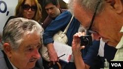 """José Mujica dijo que si llegara a ganar, """"agradecería al pueblo uruguayo"""" por mirar más allá de los estereotipos."""