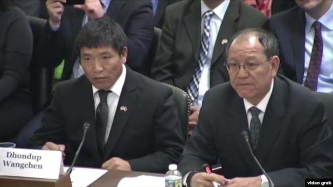2018年2月14日,在美國國會一場有關西藏局勢的聽證會上,頓珠旺青作為證人出席(美國之音視頻截圖)