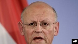 The Foreign Minister of the Netherlands, Uri Rosenthal (File Photo).