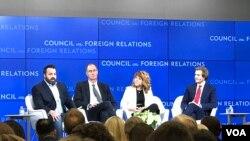 美国网络安全专家在外交关系委员会讨论大国竞争与网络冲突(美国之音莉雅拍摄)。