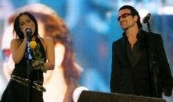 'Summer Wine' the Corrs & Bono