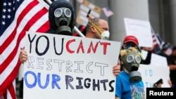 2020年4月19日數百人聚集在華盛頓州一起抗議延長居令。