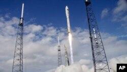 Грудень 2012-го року, мис Канаверал - пуск ракети Atlas V з експериментальним космічним безпілотником X-37B.
