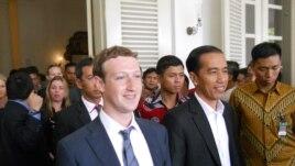 Presiden terpilih Joko Widodo menerima kunjungan Mark Zuckerberg di Balai Kota Jakarta, Senin 13 Oktober 2014 (Foto: VOA/Andylala).