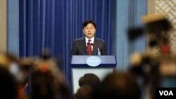 12일 북한 핵실험에 대한 대응과 관련하여 기자 설명회를 가진 박정하 청와대 대변인.