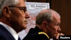 Bộ trưởng Quốc phòng Mỹ Chuck Hagel (trái) và Tướng Martin Dempsey trong buổi điều trần về chính sách của Mỹ đối với Iraq và Syria và mối đe dọa của Nhà nước Hồi giáo ở Điện Capitol, Washington, 16/9/2014.
