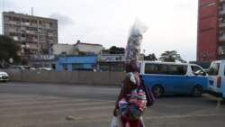 """""""Há fome entre as zungueiras"""", diz Associação dos Vendedores Ambulantes de Angola - 2:30"""