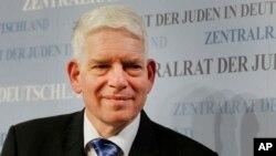 جوزف شوستر رهبر یهودان آلمان از افزایش یهود ستیزی در آن کشور هشدار داده است