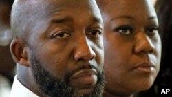 Tracy Martin y Sybrina Fulton, los padres de Martin, durante una de las sesiones del juicio por la muerte de su hijo.