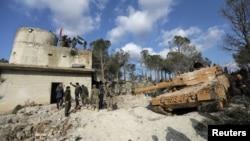 Arhiva - Turske snage i pripadnici Slobodne sirijske armije viđeni na planini Barsaya, severoistočno od Afrina, Sirija, 28. januara 2018.