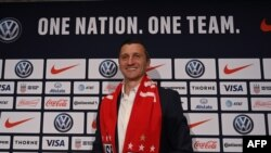 Vlatko Andonovski le nouvel entraineur de l'équipe féminine américaine de football lors de sa présentation à New York , USA, le 28 octobre 2019